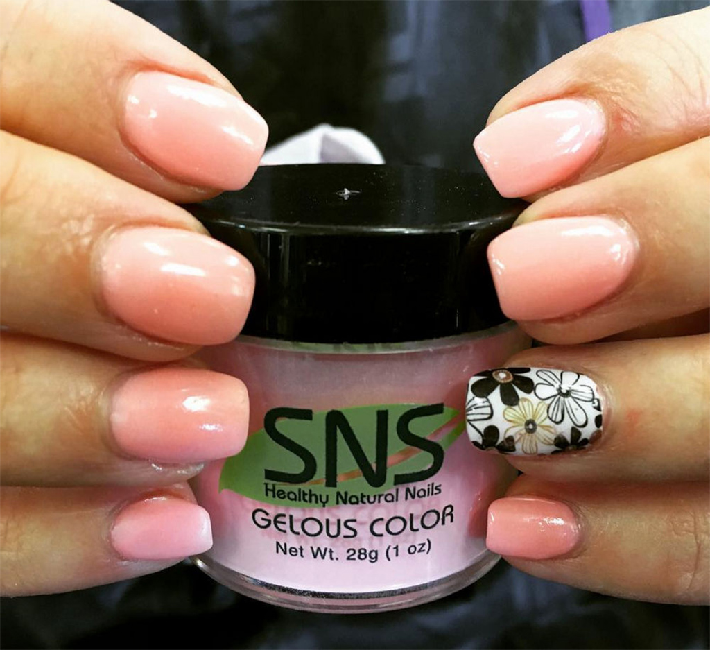 Tricks to Make Your Dipping Powder Manicure Enjoyable